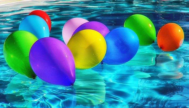 festa a bordo piscina